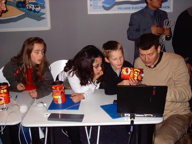 F�te de l'Internet 2003 avec la Mairie et des CM1